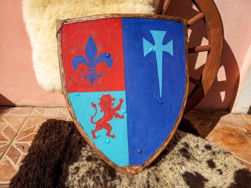 Escudo Medieval/ Heráldica/ Brasão