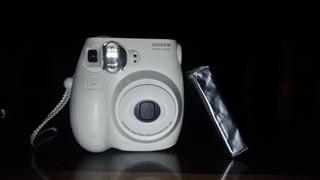 Camara Instantanea Fujifilm Envio Gratis! Cartucho De Regalo