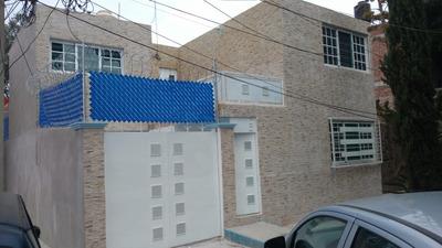Casa Solo Unidad Modelo, Remodelada Enfrente De Parque