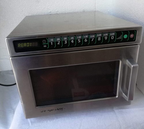 Imagen 1 de 3 de Horno Microondas Industrial Amana Restaurante Uso Rudo Acero
