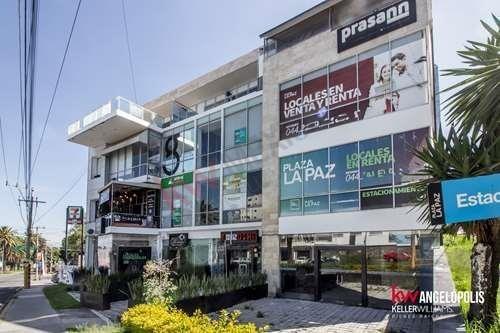 Se Renta Local En Planta Baja, Plaza La Paz