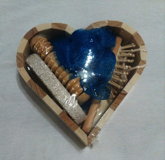 Set Caja Corazon Cepillo Masajeador Esponja Azul Piedrapomez