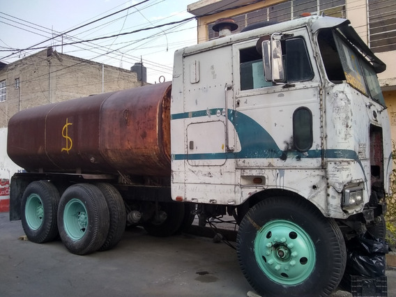 Camion Torton Peterbill