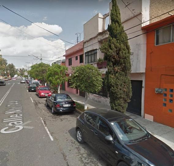 Casa En Remate Bancario En Calle Norte 74- A