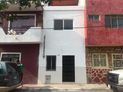 Casa En Venta Re-modelada Por La Vocacional De Av. Olimpica