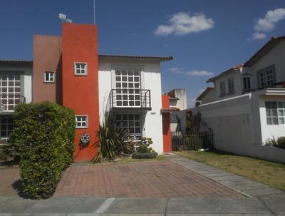 Venta De Casa En Fracc. Villas Del Campo Calimaya.
