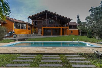 Espetacular Casa Isolada De Esquina Térrea Com Piscina