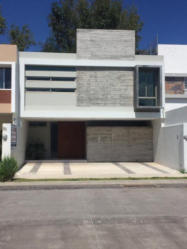 Casa En Venta En Zamora, Michoacan