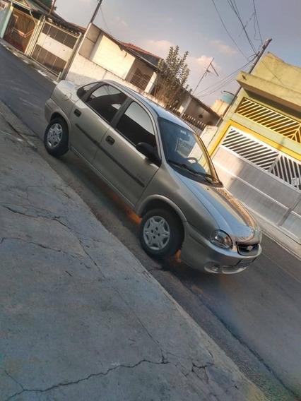 Chevrolet Corsa Classic 1.6 Life 4p