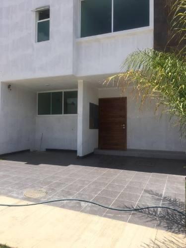 Casa En Venta En Fraccionamiento La Cima, Zapopan
