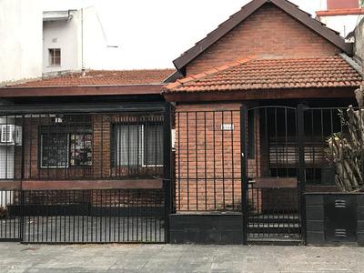 Casa De 3 Dormitorios, 2 Baños, Y 2 Cocheras - Dueño Directo