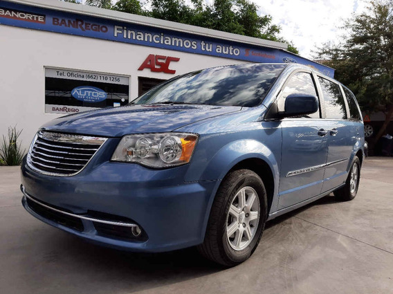 Chrysler Town & Country 2011 5p Aut Lx