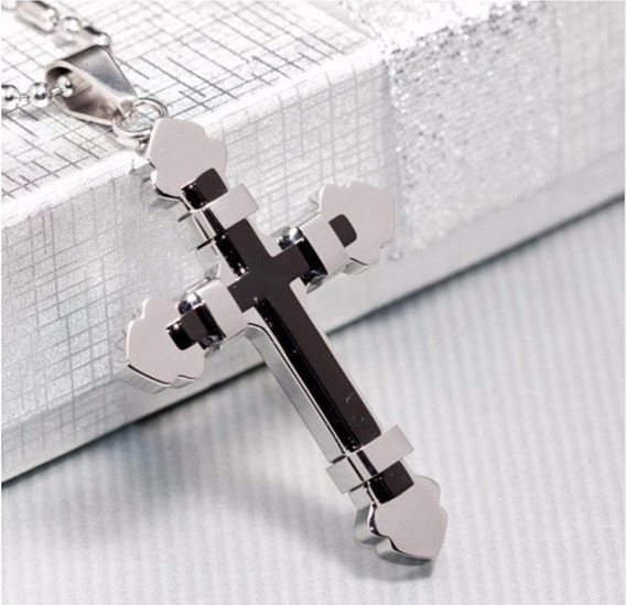 Colar Com Pingente Crucifixo Detalhe Em Preto Aço Inoxidável