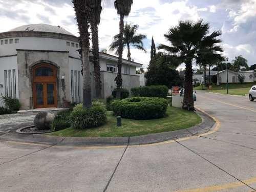 Hermosa Residencia En El Club De Golf Santa Anita En Guadalajara