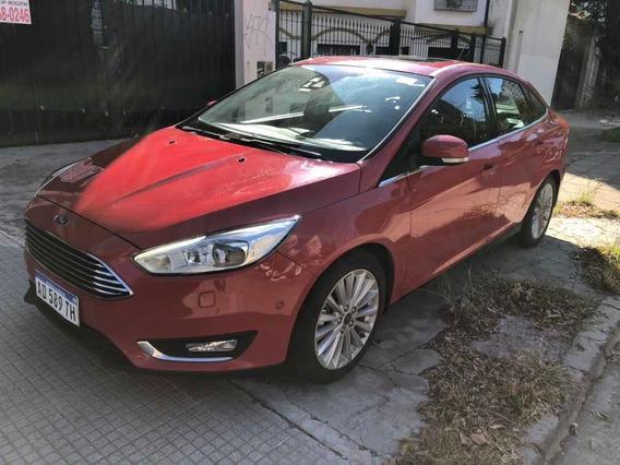 Ford Focus Titanium Power Shift