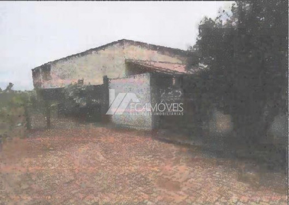 Rua Vigilato Pereira, Coromandel, Coromandel - 439549
