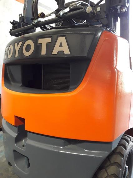 Toyota Serie 8 ( Japon) Nafta=gas 2016