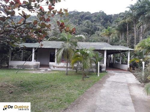 Imagem 1 de 20 de Chácara Em Mongaguá, Isolada, Lado Morro, Usada, 3 Dormitórios Sendo 1 Suite, Sala, Cozinha, Banheiro, Área De Lazer, Churrasqueira - 3096 - 34960794