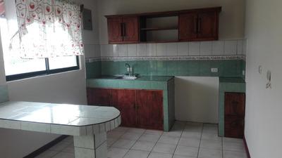 Apartamento De 2 Habit., Cochera, Agua, Cable E Internet