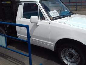 Camioneta Estacas Nissan Tl720 Junior