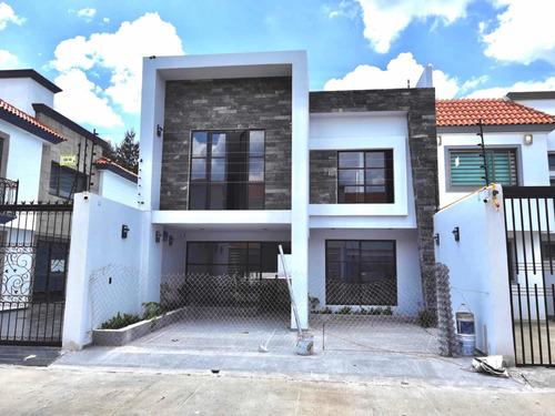 Imagen 1 de 10 de Casa Nueva En Toluca. Acabados De Primera