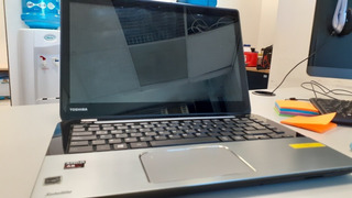 Laptop Toshiba S40dt Por Partes