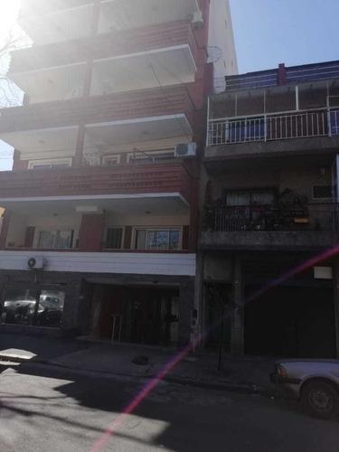 Imagen 1 de 6 de Alquiler 1 Amb. Contrafrente (5° C) En Villa Del Parque