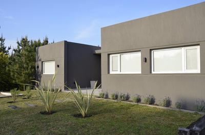 Barrio Sendero 1 - Lote 124 - 5 Dormitorios - 4 Baños - 250m