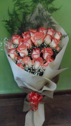 Ramo De 24 Rosas Matizadas