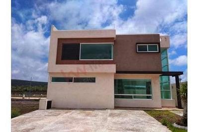 Casa En Fracc. Mallorca Residence, Residencial Cerca Del Cimatario A Precio Especial. Queretaro