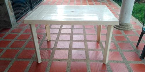 Mesa Plástica Manaplas