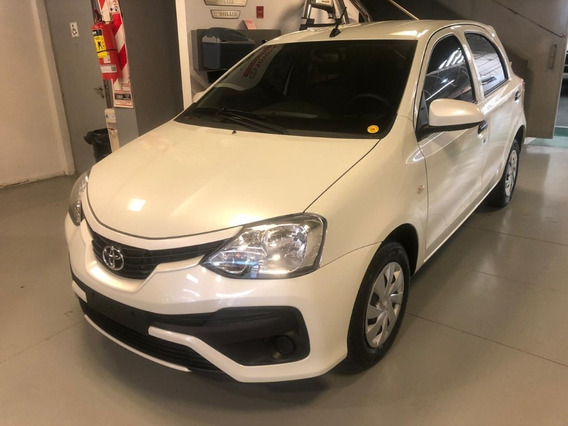 Toyota Etios 1.5 X 6mt Sedan 4p Kansai