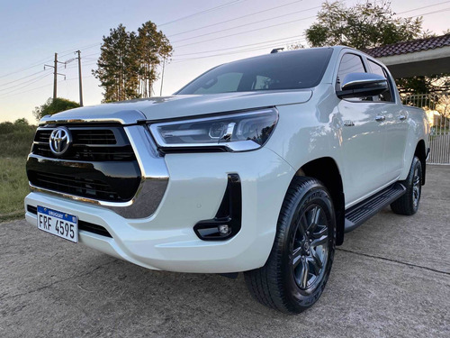 Toyota Hilux (permuto)