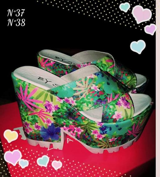 Zapatos Muy Canchero Zuecos Altos Y Muy Coloridos