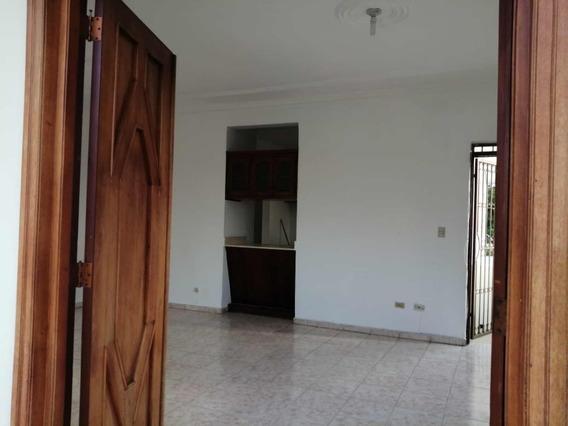 Alquilo Casa En Villa Olimpica De Oportunidad 2do Nivel