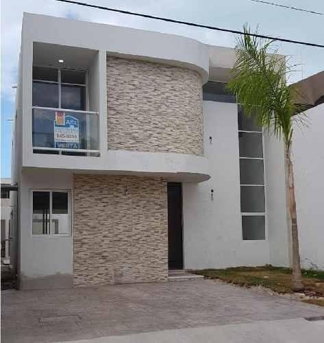 Preventa Casa A Metros De La Playa, Progreso, Yucatán. 3 Recamaras, 3 Baños.ideal Como Inversión