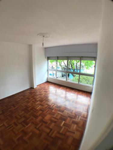 Apartamento De 2 Dormitorios En Buceo