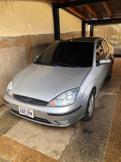 Ford Focus Duratec 2.0, Cuatro Puertas, Asientos De Cuero