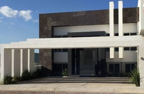 Preciosa Residencia De Autor En Cumbres Del Lago, 4 Habitaciones Una En Pb..