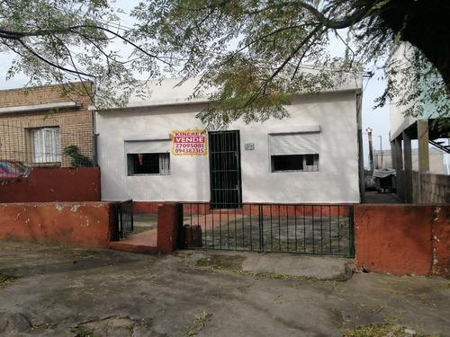 2 Casas Mas Sub Suelo, Gran Ubicación En Cerro De Montevideo