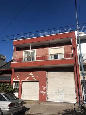 Casa Multifamiliar En Liniers Con Galpon