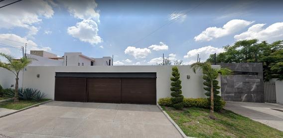 Casa De Lujo En Venta Gran Ubicación En Juriquilla Querétaro