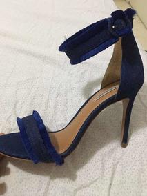 Sandália Jeans De Salto Fino Com Pelo Raphaella Booz