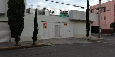 Casa En Buen Estado Y Tres Accesorias Comerciales Rentables