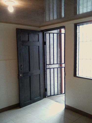 Apartamentos Dos Cuartos Alajuela Desde 150.000 A 165.000