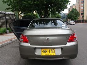 Vehículo Amplio Muy Confortable En Perfecto Estado.