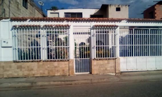 Alquilo Anexo En Santa Rita /04124394853