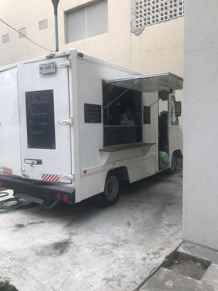 Nissan Food Truck Completamente Equipado