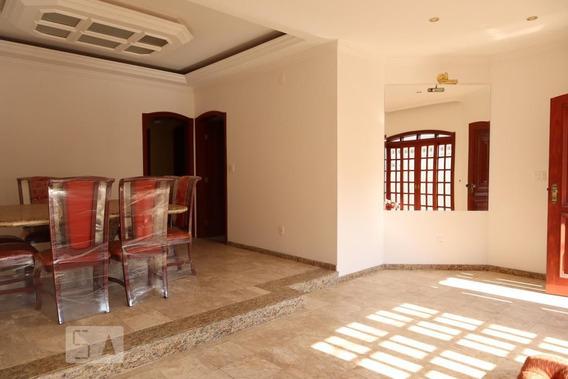 Casa Com 3 Dormitórios E 10 Garagens - Id: 892955473 - 255473