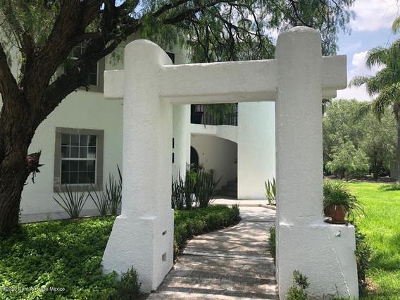 Casa En Renta En Balvanera Polo Y Country Club, Corregidora, Rah-mx-20-2937